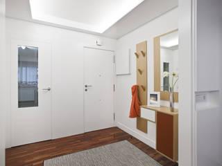 Piso Icía LIQE arquitectura Pasillos, vestíbulos y escaleras de estilo moderno Blanco