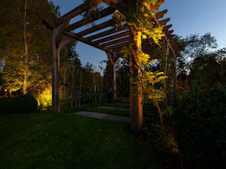 Surrey Garden Project by Future Light Design Мінімалістичний