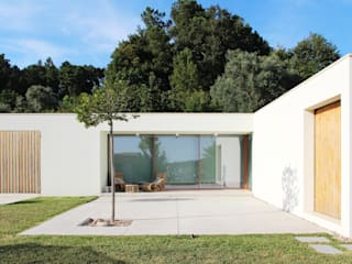 Qiarq . arquitectura+design Single family home Reinforced concrete Grey