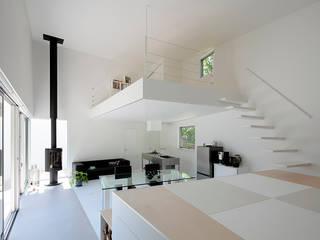 八ヶ岳の離れ ミニマルデザインの リビング の 稲山貴則 建築設計事務所 ミニマル