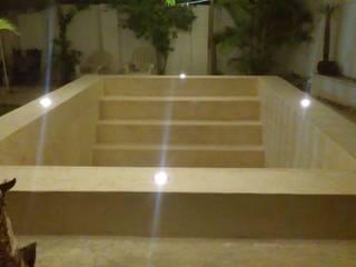 Remodelación alberca Conkal: Albercas de jardín de estilo  por Jarcon Arquitectura e Ingeniería