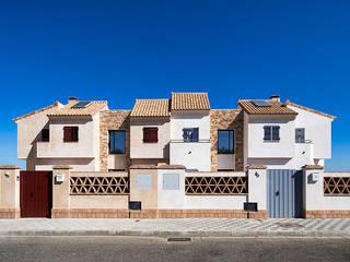 Mediterranean style houses by Idearte Marta Montoya Mediterranean