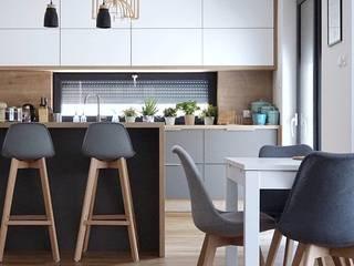 Cozinha moderna: Armários e bancadas de cozinha  por AL Interiores,Mediterrâneo Madeira Efeito de madeira