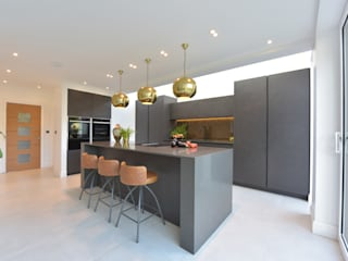 Mr & Mrs Martin Diane Berry Kitchens Built-in kitchens Copper/Bronze/Brass Grey
