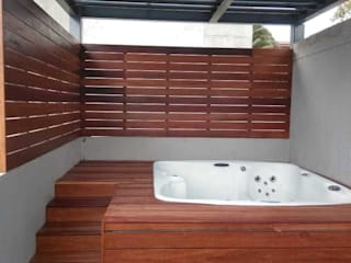 Materia Viva S.A. de C.V. BathroomBathtubs & showers Metal Wood effect