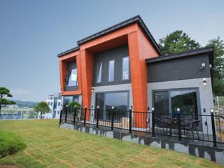 특색 있는 디자인 목조주택(충청남도 천안시) by 더존하우징 모던