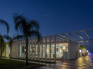 Bars & clubs modernes par Sammarro Architecture Studio Moderne