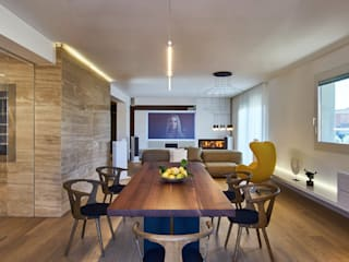 Private Apartment in Crotone: Sala da pranzo in stile  di Sammarro Architecture Studio