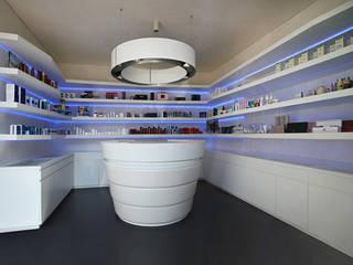Locaux commerciaux & Magasin modernes par Sammarro Architecture Studio Moderne