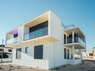 Caravela Casas modernas por Presprop - Portugal Construction Moderno
