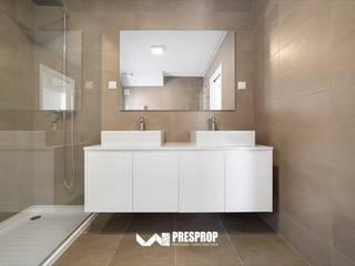 Almeida Garrett II Casas de banho modernas por Presprop - Portugal Construction Moderno