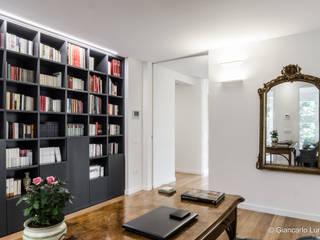 Ignazio Buscio Architetto Oficinas y bibliotecas de estilo moderno Madera Blanco