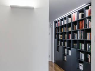 Ignazio Buscio Architetto Oficinas y bibliotecas de estilo moderno Madera Gris