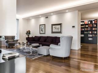 Zona living: Soggiorno in stile  di Ignazio Buscio Architetto