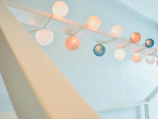minimalist  by Monica Saravia, Minimalist