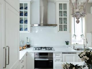 キッチンリモデリング: アニーズ株式会社が手掛けたクラシックです。,クラシック