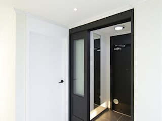 DESIGNCOLORS Modern bathroom Black