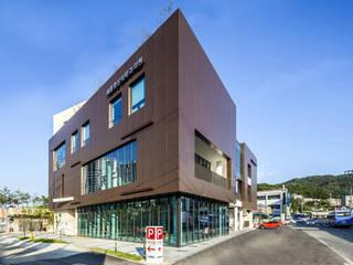 Modern houses by 201 건축사사무소 Modern