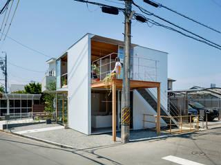 gré・正方形の家: すずき/suzuki architects (一級建築士事務所すずき)が手掛けた一戸建て住宅です。