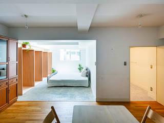 光の箱: すずき/suzuki architects (一級建築士事務所すずき)が手掛けた寝室です。,北欧