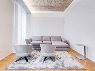 Urbana Residence Contemporary Design Soggiorno moderno di EF_Archidesign Moderno
