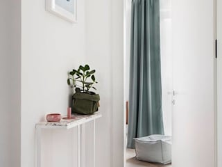 Mieszkanie na Muranowie : styl , w kategorii Korytarz, przedpokój zaprojektowany przez OIKOI