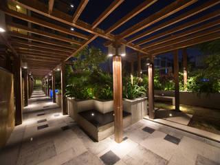 Landmark Vertica Modern garden by Kembhavi Architecture Foundation Modern