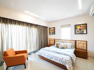 MASTER BEDROOM 01 :  Bedroom by Suchit Interiors & Associate