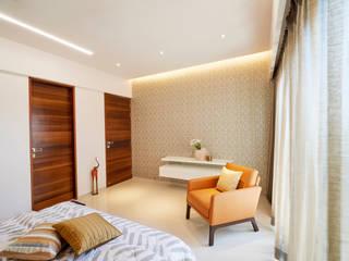 MASTER BEDROOM 01:  Bedroom by Suchit Interiors & Associate