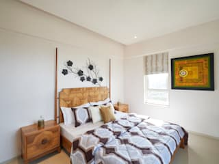 MASTER BEDROOM 02:  Bedroom by Suchit Interiors & Associate