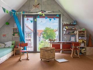 EFH in Weilheim: moderne Kinderzimmer von WSM ARCHITEKTEN