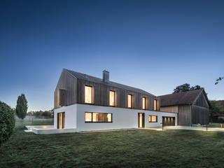Wohnhaus Hofgut von DITTEL ARCHITEKTEN GMBH Modern