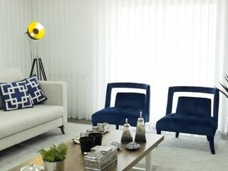 Remodelação, design e decoração de moradia: Salas de estar  por AtelierAtelier,Eclético