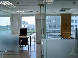 VAN NAM FURNITURE & INTERIOR DECORATION CO., LTD. Modern study/office