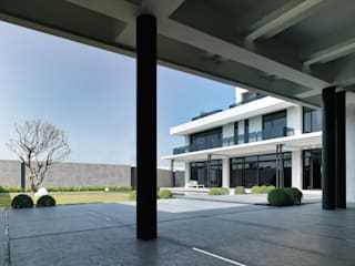 Country house by HJF建築室內設計  Ho Jia-fu Interior Design Co., Ltd.,