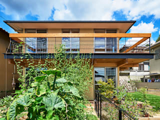 壱分の家 新築工事: Echizen Ryouta Design Laboratoryが手掛けたテラス・ベランダです。,