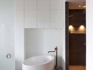 Thijssen Verheijden Architecture & Management Scandinavian style bathroom