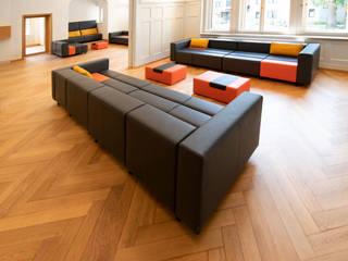 Lounge-Bereich eines Softwareunternehmens:   von modul21