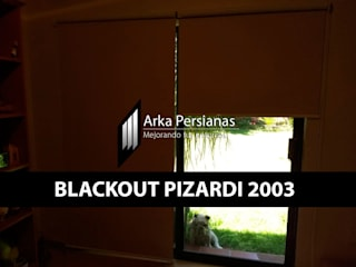 Enrollables Blackout Pizardi: Persianas de estilo  por Arka Persianas