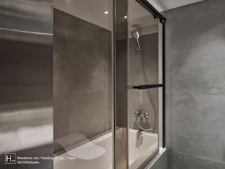 乾溼分離的浴室 SECONDstudio Modern style bathrooms Grey