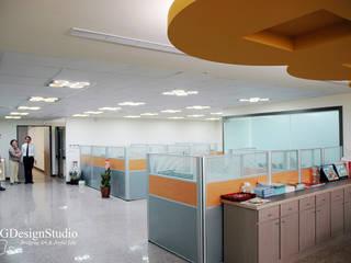財富辦公室規劃:  書房/辦公室 by TGDesgin.Studio