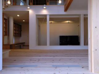 ツツムイエ (音楽室のある家2) オリジナルデザインの リビング の FORMA建築研究室 オリジナル