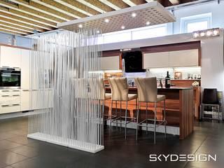Sichtschutz für das Esszimmer und Küche :  Einbauküche von www.skydesign.news - Raumteiler aus Berlin