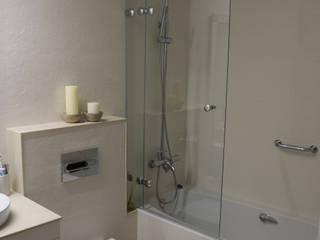 Reforma de baño Baños de estilo moderno de Visaespais, reformas y rehabilitaciones en Tarragona Moderno