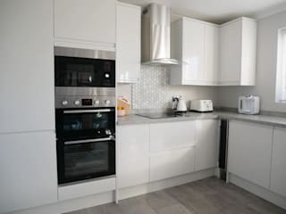 fitted kitchen in gateshead:  Kitchen by Inspired Installations