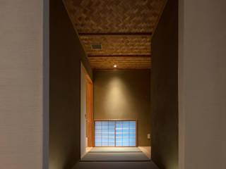 茶室 路地 モダンデザインの 多目的室 の ㈱ティカ.ティカ モダン 竹 緑