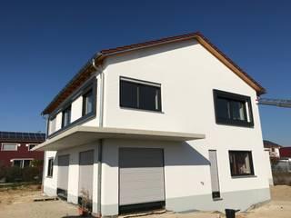Neubau eines Einfamilienhauses in Sünching KFW 40 Standard:  Einfamilienhaus von Architekturbüro Pongratz