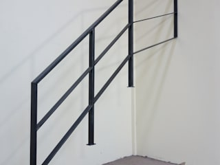 株式会社ディオ Stairs Iron/Steel Black