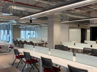Hik Visión: Estudios y oficinas de estilo  por Spazzio ,