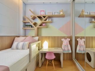 Quarto de Criança | Quarto da Luíza: Quartos das meninas  por LEZSY | Interior Design,Moderno